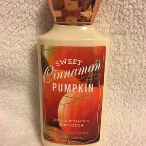 Sweet Cinnamon Pumpkin by Bath and Body Works
